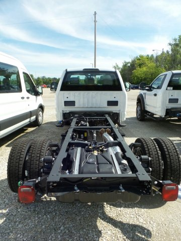 2018 F-550 Regular Cab DRW 4x4,  Cab Chassis #8FT056 - photo 3