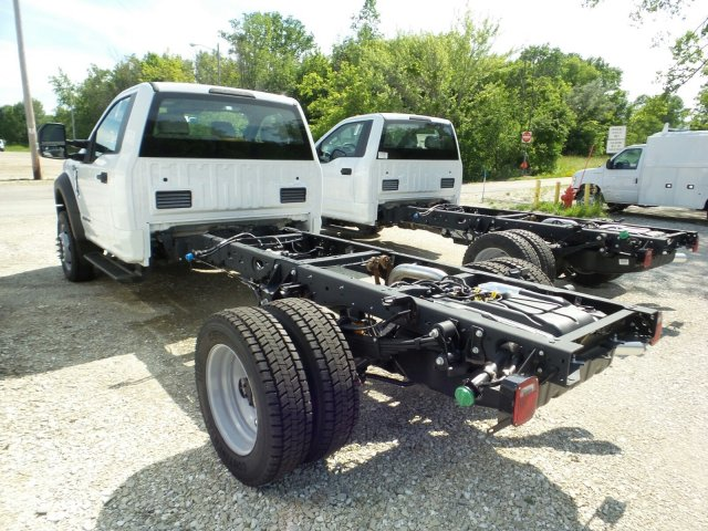 2018 F-550 Regular Cab DRW 4x4,  Cab Chassis #8FT056 - photo 2