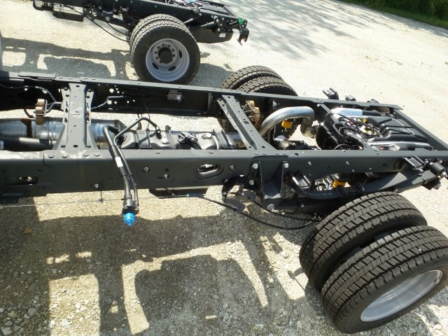2018 F-550 Regular Cab DRW 4x4,  Cab Chassis #8FT056 - photo 4