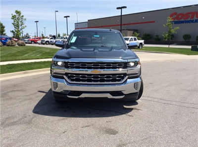 chevrolet silverado 1500 crew cab pickup for sale in fort wayne in. Cars Review. Best American Auto & Cars Review