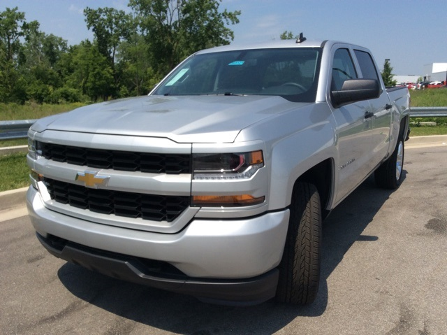2018 Silverado 1500 Crew Cab 4x4,  Pickup #3S5121 - photo 3