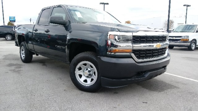 2019 Silverado 1500 Double Cab 4x4,  Pickup #3T4168 - photo 3