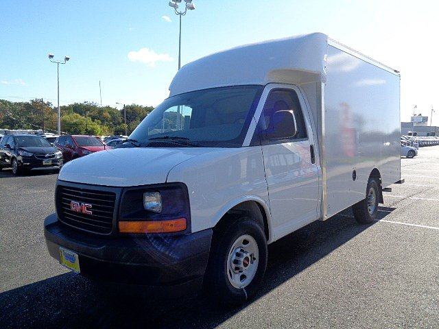 2017 Savana 3500, Supreme Cutaway Van #105162 - photo 4