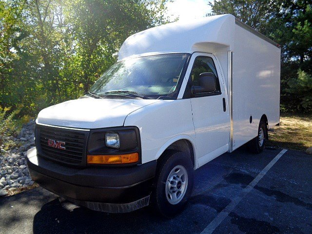 2017 Savana 3500, Supreme Cutaway Van #113667 - photo 4