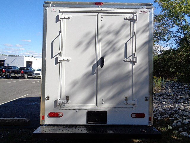 2017 Savana 3500, Supreme Cutaway Van #113667 - photo 6