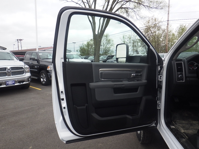 2016 Ram 4500 Regular Cab DRW, Monroe Platform Body #DG264 - photo 10