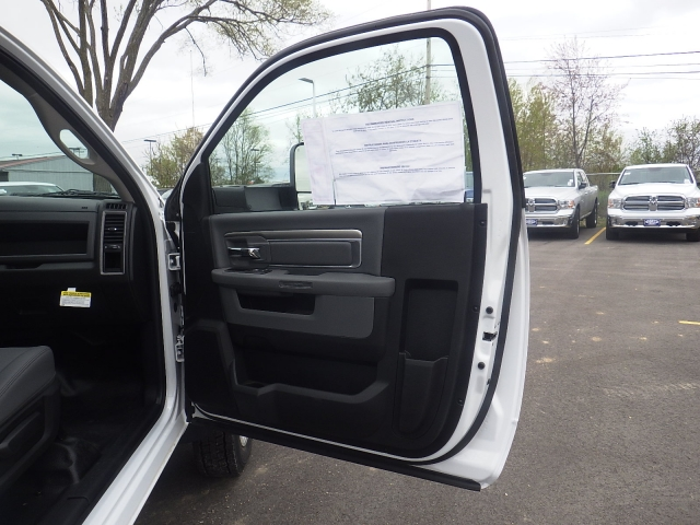 2016 Ram 4500 Regular Cab DRW, Monroe Platform Body #DG264 - photo 20
