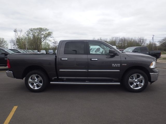 2016 Ram 1500 Crew Cab 4x4, Pickup #DG295 - photo 3