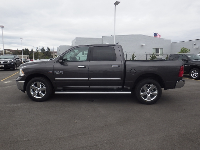 2016 Ram 1500 Crew Cab 4x4, Pickup #DG295 - photo 5