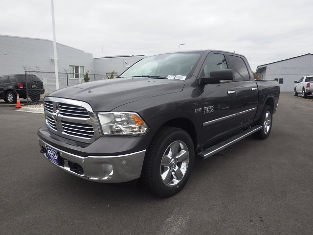 2016 Ram 1500 Crew Cab 4x4, Pickup #DG295 - photo 6
