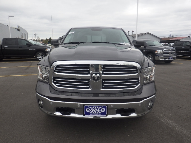 2016 Ram 1500 Crew Cab 4x4, Pickup #DG295 - photo 7