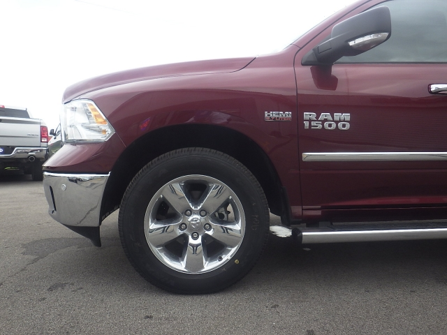 2016 Ram 1500 Crew Cab 4x4, Pickup #DG299 - photo 10