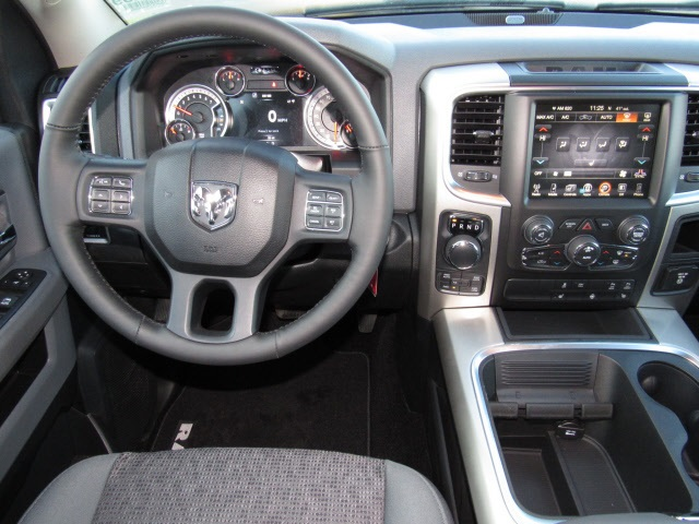 2016 Ram 1500 Crew Cab 4x4, Pickup #DG299 - photo 3