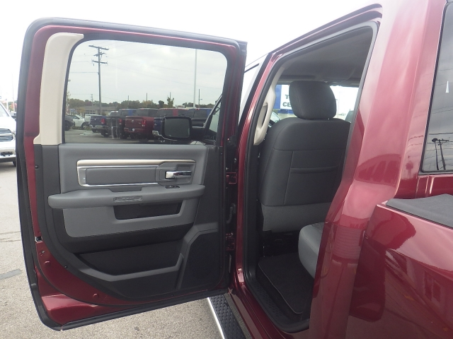 2016 Ram 1500 Crew Cab 4x4, Pickup #DG299 - photo 35
