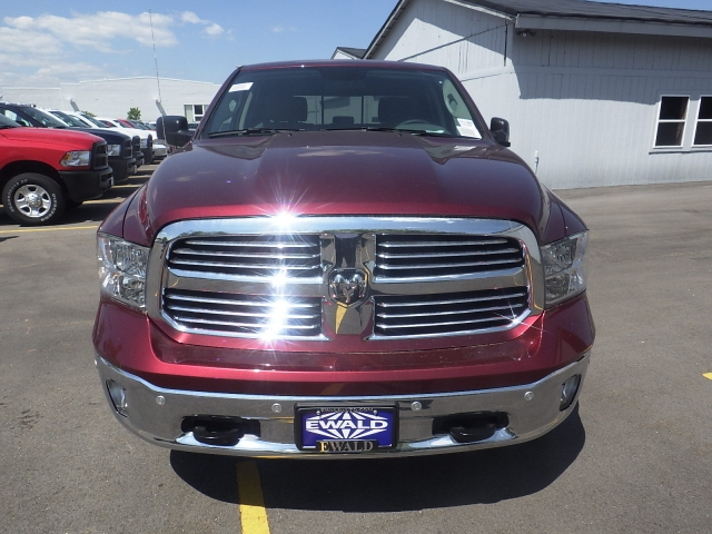 2016 Ram 1500 Crew Cab 4x4, Pickup #DG300 - photo 9