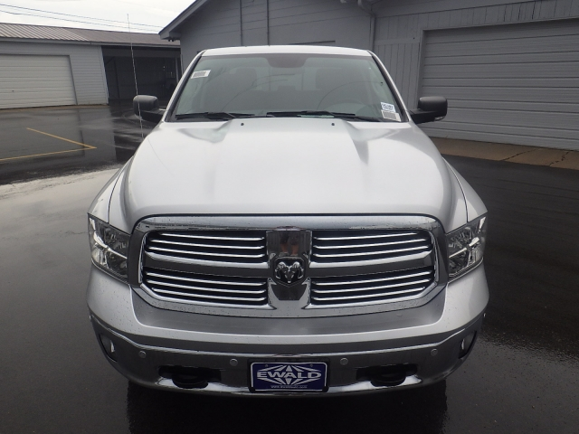 2016 Ram 1500 Crew Cab 4x4, Pickup #DG301 - photo 10
