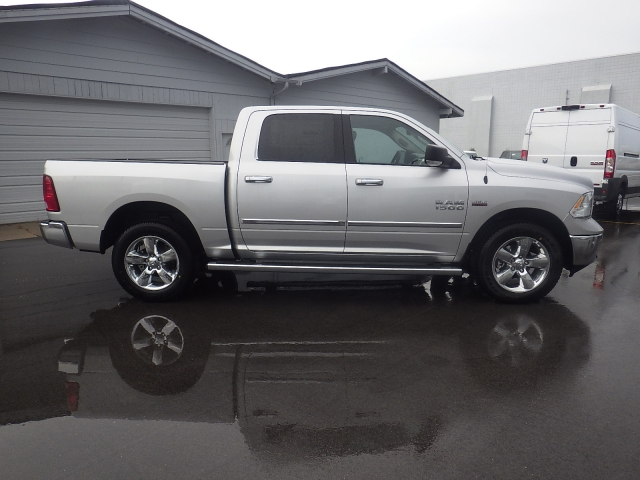 2016 Ram 1500 Crew Cab 4x4, Pickup #DG301 - photo 3