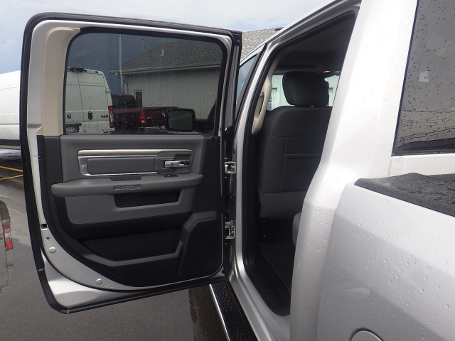 2016 Ram 1500 Crew Cab 4x4, Pickup #DG301 - photo 30
