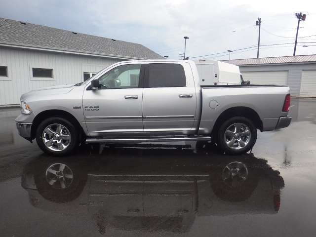 2016 Ram 1500 Crew Cab 4x4, Pickup #DG301 - photo 7