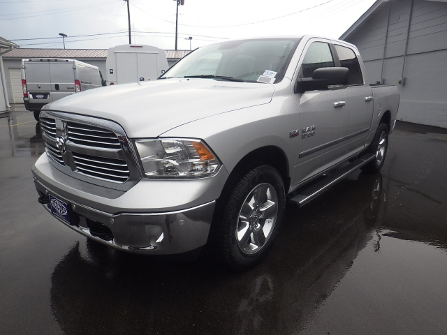 2016 Ram 1500 Crew Cab 4x4, Pickup #DG301 - photo 8