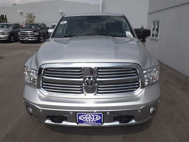 2016 Ram 1500 Crew Cab 4x4, Pickup #DG305 - photo 12