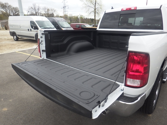 2016 Ram 1500 Crew Cab 4x4, Pickup #DG307 - photo 23