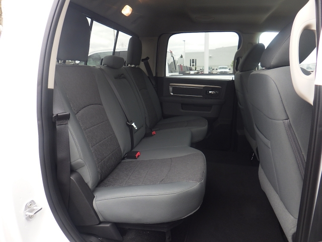 2016 Ram 1500 Crew Cab 4x4, Pickup #DG309 - photo 30