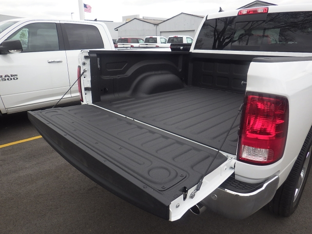 2016 Ram 1500 Crew Cab 4x4, Pickup #DG309 - photo 35