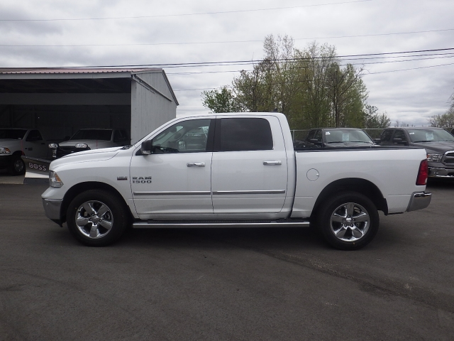 2016 Ram 1500 Crew Cab 4x4, Pickup #DG309 - photo 7