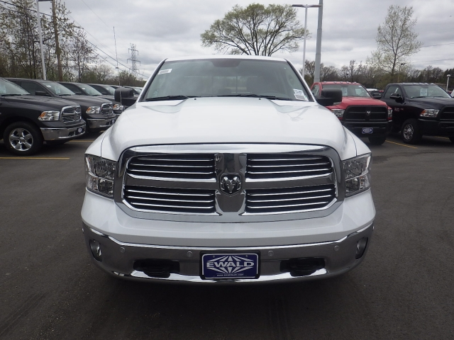2016 Ram 1500 Crew Cab 4x4, Pickup #DG309 - photo 9