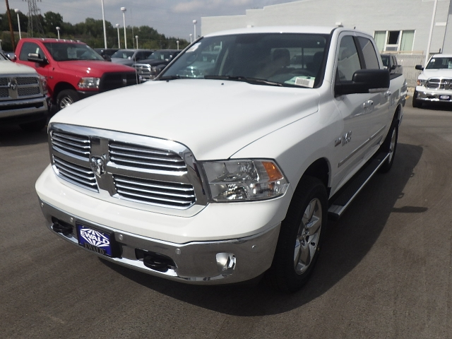 2016 Ram 1500 Crew Cab 4x4, Pickup #DG310 - photo 11