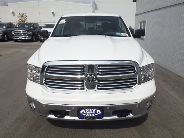 2016 Ram 1500 Crew Cab 4x4, Pickup #DG310 - photo 12