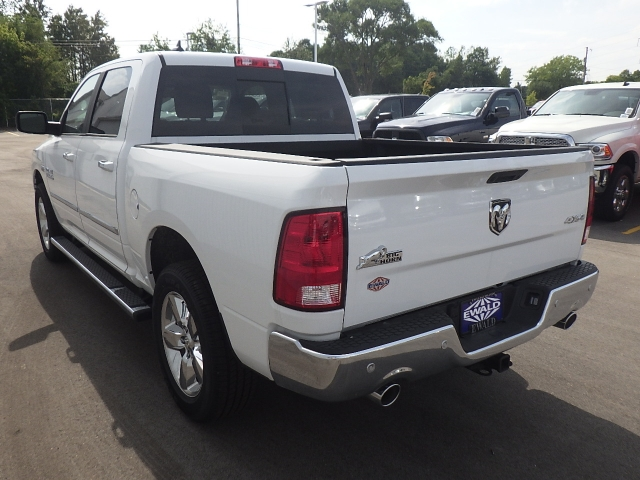 2016 Ram 1500 Crew Cab 4x4, Pickup #DG310 - photo 9
