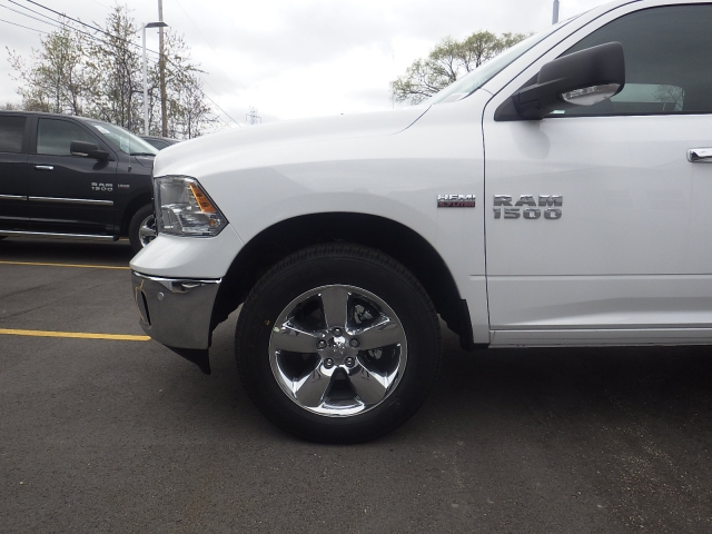 2016 Ram 1500 Crew Cab 4x4, Pickup #DG313 - photo 10
