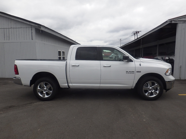2016 Ram 1500 Crew Cab 4x4, Pickup #DG313 - photo 3