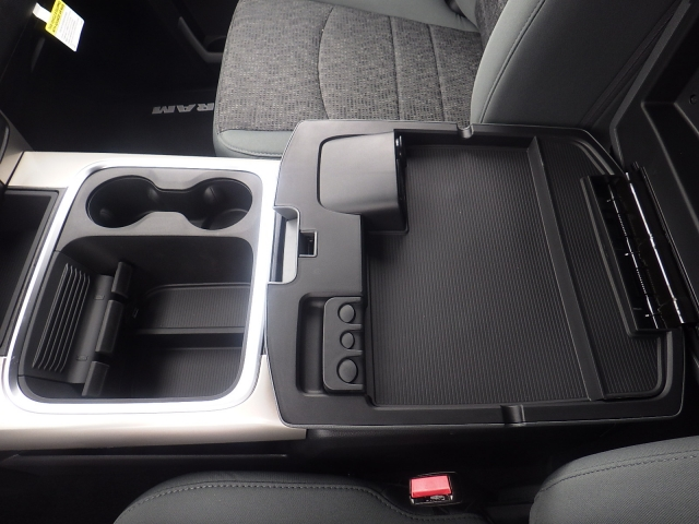 2016 Ram 1500 Crew Cab 4x4, Pickup #DG313 - photo 24