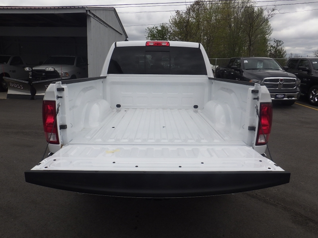 2016 Ram 1500 Crew Cab 4x4, Pickup #DG313 - photo 34