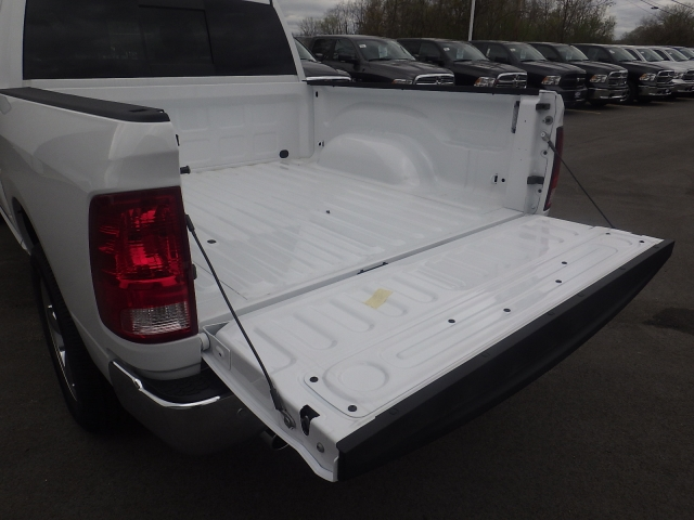 2016 Ram 1500 Crew Cab 4x4, Pickup #DG313 - photo 36
