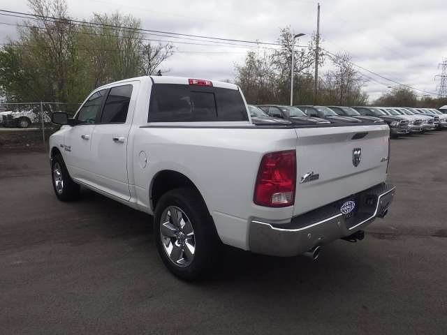 2016 Ram 1500 Crew Cab 4x4, Pickup #DG313 - photo 6