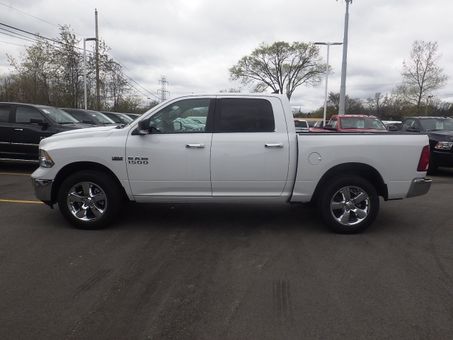 2016 Ram 1500 Crew Cab 4x4, Pickup #DG313 - photo 7