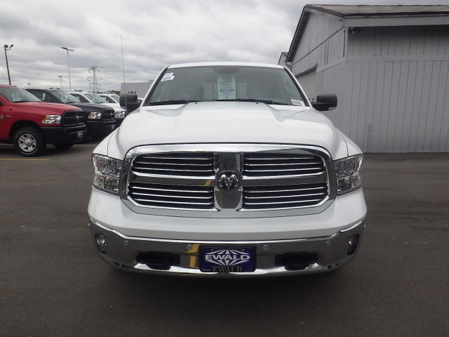 2016 Ram 1500 Crew Cab 4x4, Pickup #DG313 - photo 9