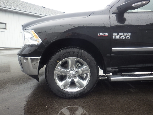 2016 Ram 1500 Crew Cab 4x4, Pickup #DG317 - photo 10