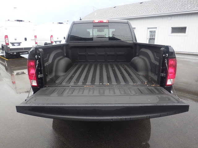 2016 Ram 1500 Crew Cab 4x4, Pickup #DG317 - photo 36