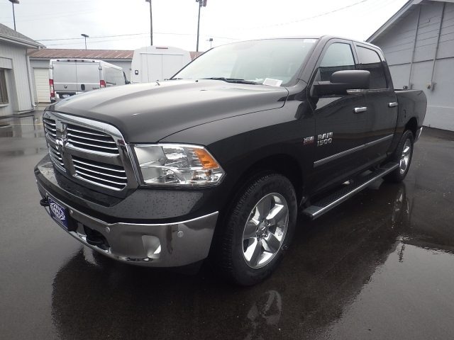2016 Ram 1500 Crew Cab 4x4, Pickup #DG317 - photo 7