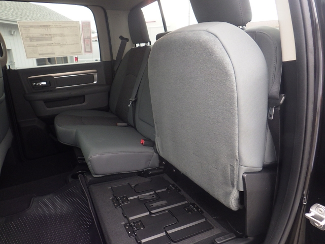 2016 Ram 1500 Crew Cab 4x4, Pickup #DG322 - photo 31