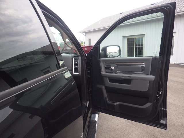2016 Ram 1500 Crew Cab 4x4, Pickup #DG322 - photo 36