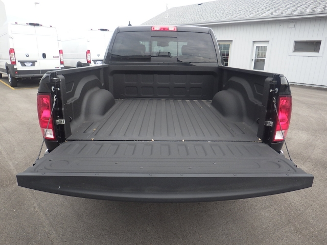 2016 Ram 1500 Crew Cab 4x4, Pickup #DG322 - photo 37