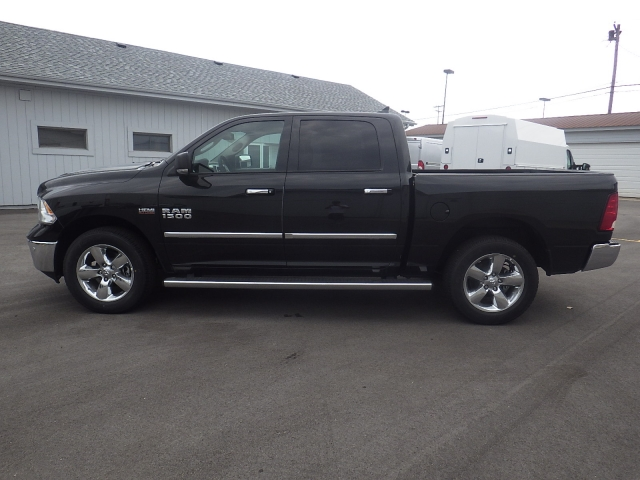 2016 Ram 1500 Crew Cab 4x4, Pickup #DG322 - photo 7