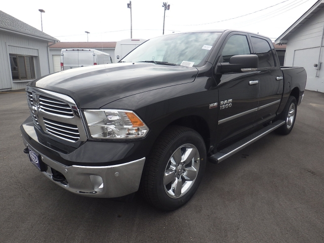 2016 Ram 1500 Crew Cab 4x4, Pickup #DG322 - photo 8