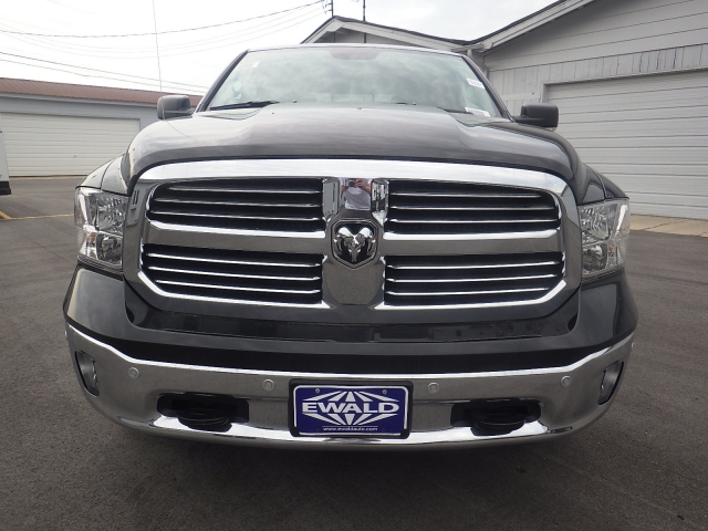 2016 Ram 1500 Crew Cab 4x4, Pickup #DG322 - photo 9